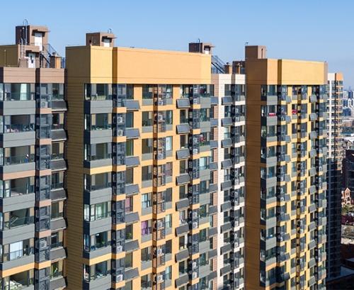 Balcony wall hangs solar energy water heater project